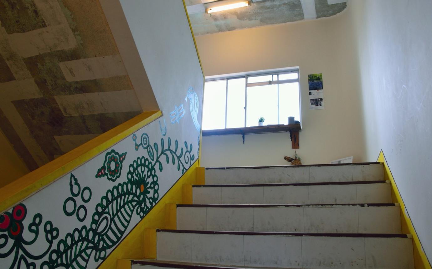 金座ボタニカ階段