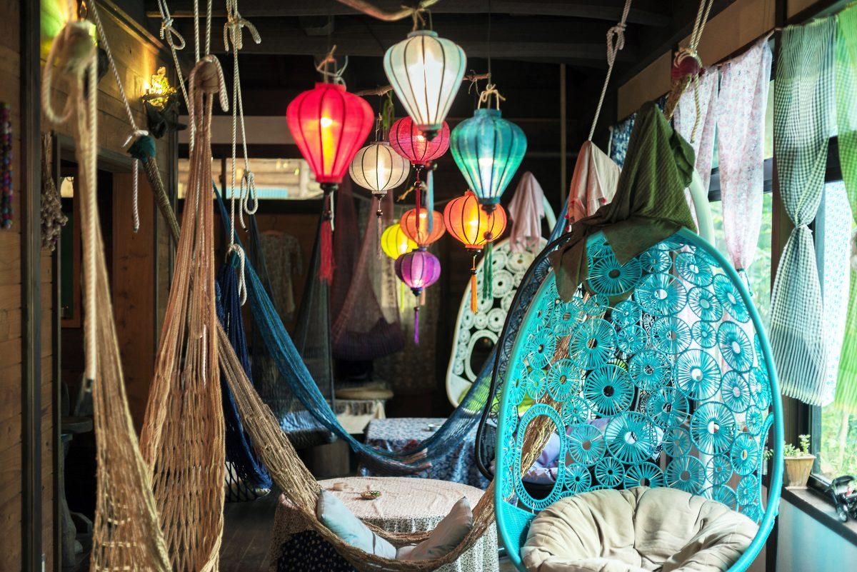 ゆるびく村にアジアンなハンモックカフェを発見! 川のせせらぎと絶品ベトナム料理「ホアスゥア」