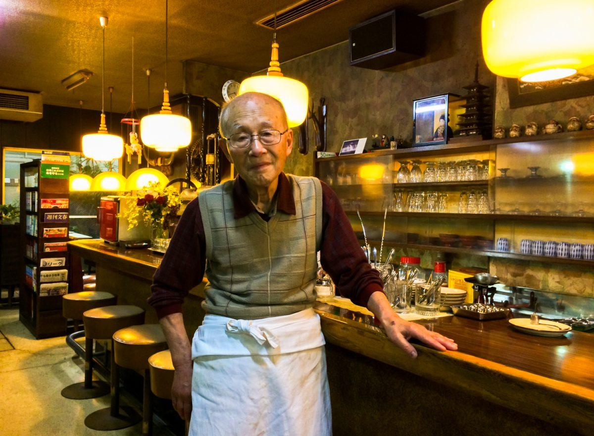 清水で80年以上愛され続ける純喫茶「富士」 商店街にたたずむ洋菓子喫茶の過去とこれから