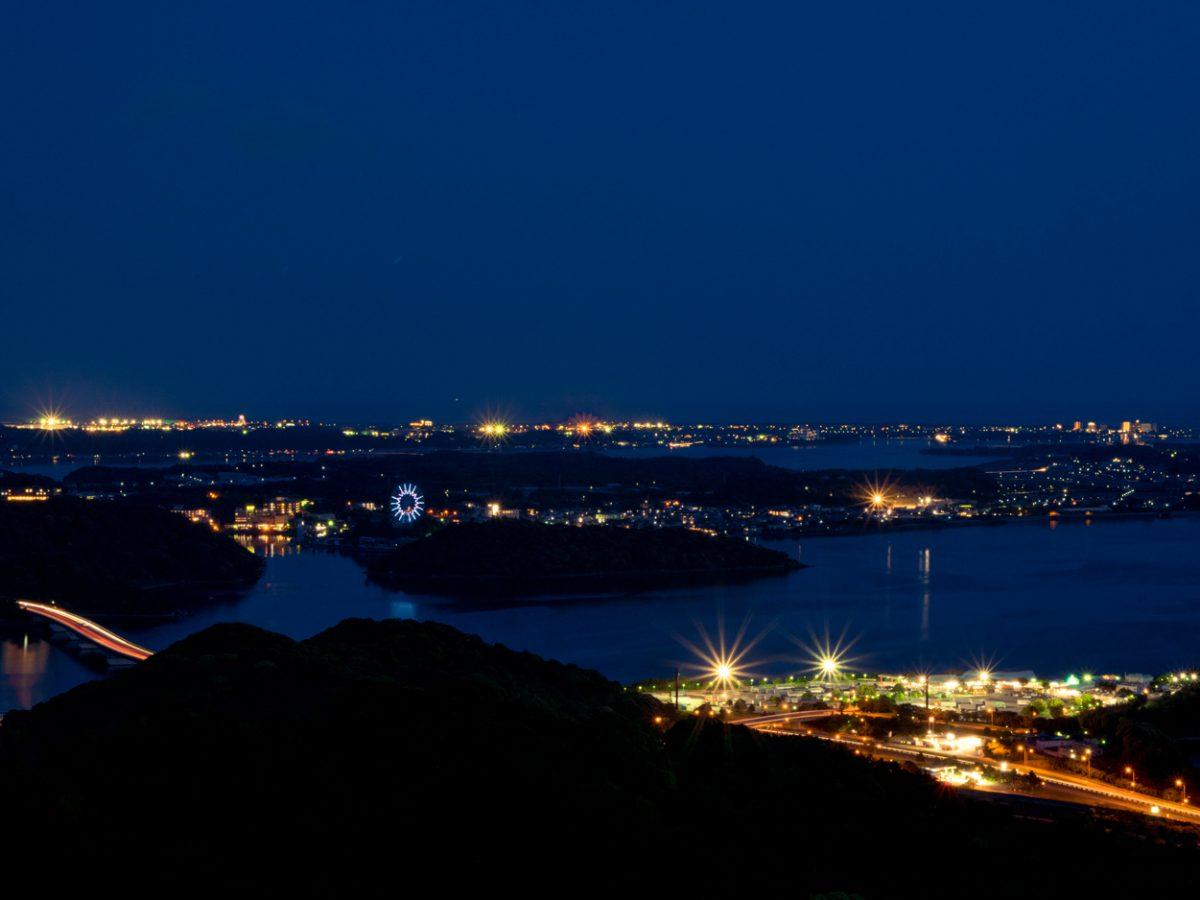 【静岡の夜景】浜名湖を一望「奥浜名湖展望公園」 レアすぎる8の字を描く光の筋も見られる!