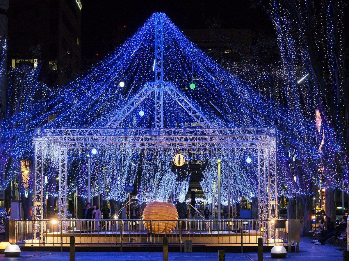 まばゆい星が降り注ぐ天空イルミネーション おまちの「青葉シンボルロード」は今年もすごい!