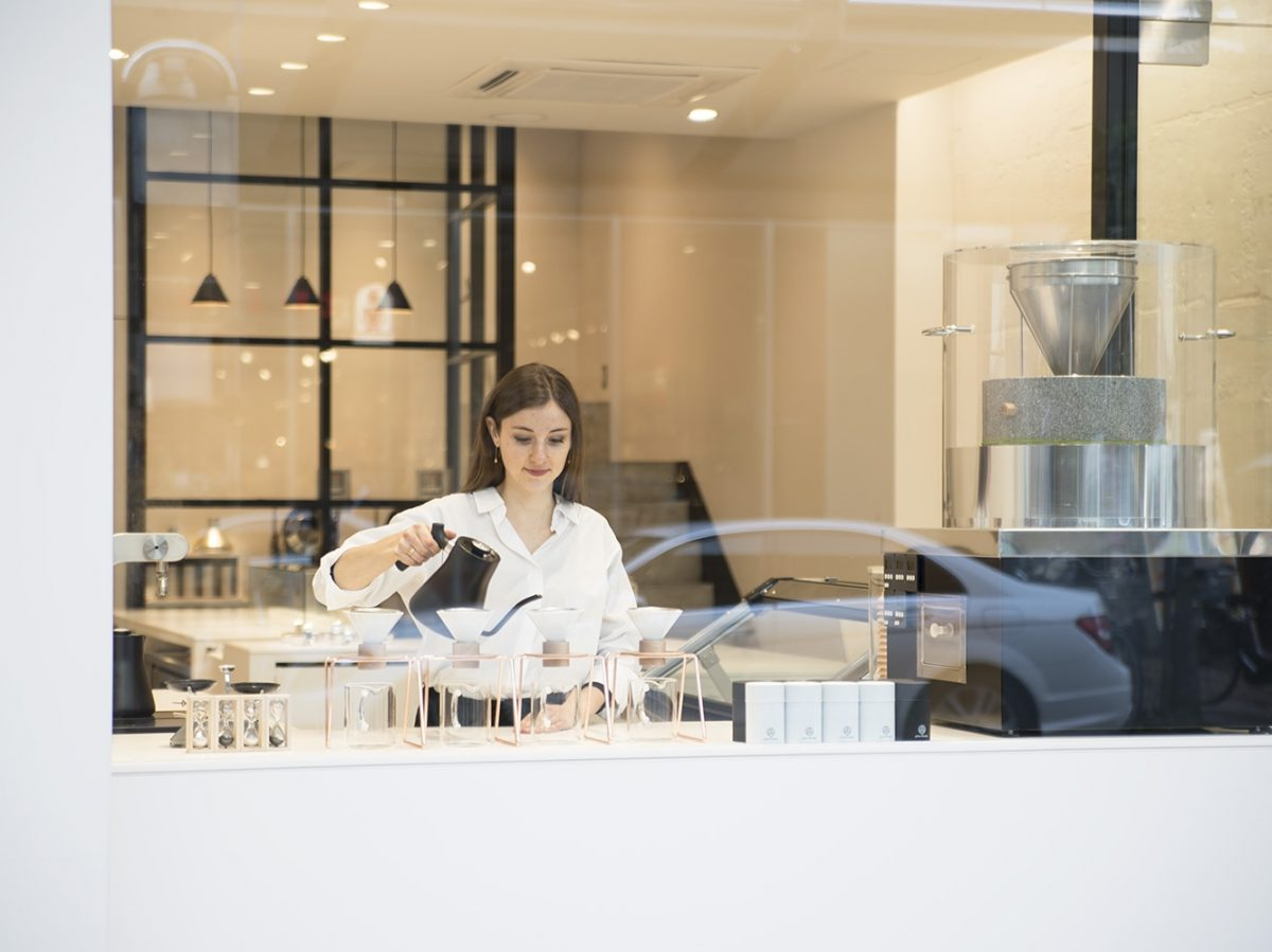 お茶好きに新風!「マルゼンティーロースタリー」 世界初の焙煎温度別ティージェラートカフェ