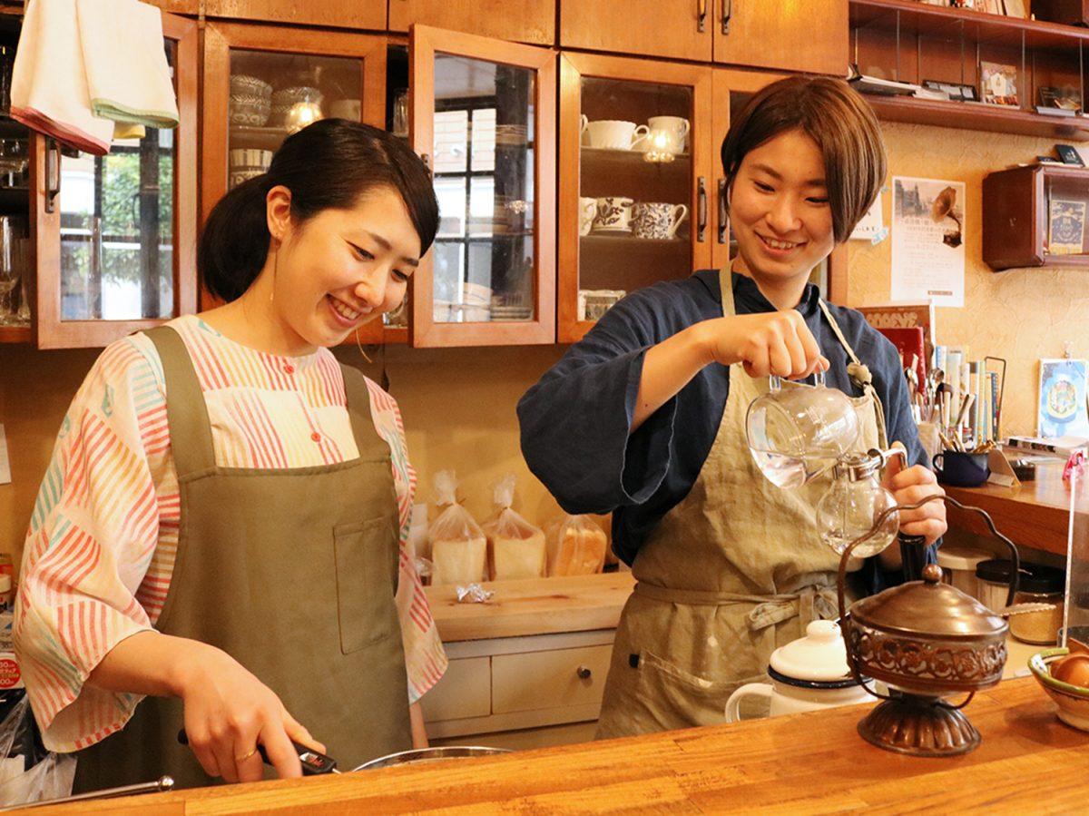 ふらっと寄りたい泊まれる純喫茶「ヒトヤ堂」 季節感あるトーストとクリームソーダ